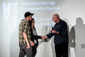 The International Jury congratulates Máté Bartha, director of the winner film Downstream / Photo: Zoltán Adrián